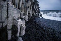 Μαύρη παραλία άμμου - Ισλανδία Στοκ Φωτογραφίες