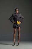 Μαύρη πρότυπη φορώντας μοντέρνη ντουλάπα μόδας Στοκ εικόνα με δικαίωμα ελεύθερης χρήσης