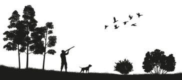 Μαύρη σκιαγραφία ενός κυνηγού με ένα σκυλί στο δασικό κυνήγι παπιών Τοπίο της άγριας φύσης διανυσματική απεικόνιση
