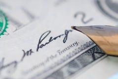 μαύρη υπογραφή μελανιού δολαρίων στοκ φωτογραφία