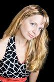 μαύρη όμορφη λευκή γυναίκα φορεμάτων Στοκ εικόνες με δικαίωμα ελεύθερης χρήσης