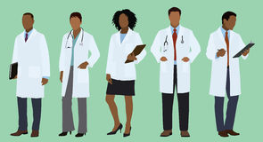 Μαύροι ή αφρικανικοί γιατροί στα παλτά εργαστηρίων Στοκ φωτογραφία με δικαίωμα ελεύθερης χρήσης