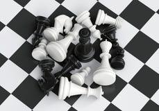 Μαύρος βασιλιάς σκακιού στη μέση της μάχης Στοκ εικόνα με δικαίωμα ελεύθερης χρήσης