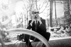 Μαύρος επιχειρηματίας στην υπεράσπιση Λα, Παρίσι Στοκ φωτογραφία με δικαίωμα ελεύθερης χρήσης