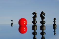 μαύρος καθρέφτης chessmans Στοκ φωτογραφία με δικαίωμα ελεύθερης χρήσης