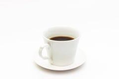μαύρος καφές στην άσπρη κούπα καφέ Στοκ εικόνα με δικαίωμα ελεύθερης χρήσης