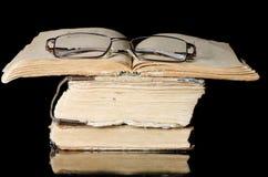 μαύρος παλαιός σωρός βιβλίων Στοκ φωτογραφία με δικαίωμα ελεύθερης χρήσης