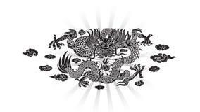 Μαύρος δράκος με το σύννεφο και τη γραμμή κινέζικα ελεύθερη απεικόνιση δικαιώματος