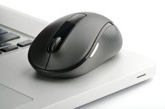 μαύρος χάλυβας ποντικιών lap-top υπολογιστών Στοκ εικόνα με δικαίωμα ελεύθερης χρήσης