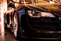 Μαύρος sportcar Quattro Audi R8 στοκ φωτογραφίες με δικαίωμα ελεύθερης χρήσης