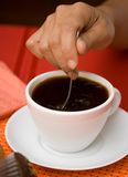 μαύρο ανακάτωμα καφέ στοκ εικόνα