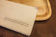 μαύρο απομονωμένο έγγραφο πετσετών Στοκ φωτογραφία με δικαίωμα ελεύθερης χρήσης