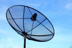 Μαύρο δορυφορικό πιάτο Στοκ Εικόνα