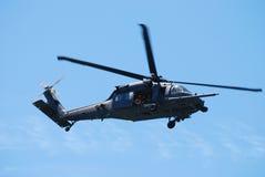 μαύρο ελικόπτερο γερακ&iot Στοκ φωτογραφία με δικαίωμα ελεύθερης χρήσης