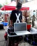 Μαύρο θηλυκό DJ Στοκ εικόνες με δικαίωμα ελεύθερης χρήσης