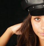 μαύρο καπέλο κοριτσιών στοκ εικόνα
