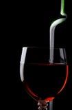 μαύρο κόκκινο κρασί γυαλιού μπουκαλιών Στοκ Φωτογραφία