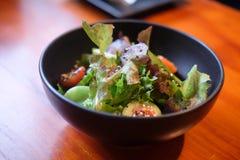 μαύρο λαχανικό σαλάτας κύπ& Στοκ φωτογραφία με δικαίωμα ελεύθερης χρήσης