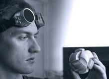 μαύρο μυστήριο λευκό γρίφ&o Στοκ φωτογραφία με δικαίωμα ελεύθερης χρήσης
