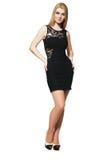 μαύρο ξανθό κορίτσι φορεμάτ στοκ φωτογραφίες με δικαίωμα ελεύθερης χρήσης