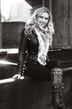 μαύρο ξανθό όμορφο λευκό Στοκ εικόνα με δικαίωμα ελεύθερης χρήσης