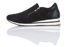 Μαύρο πάνινο παπούτσι με τα rhinestones Στοκ φωτογραφίες με δικαίωμα ελεύθερης χρήσης