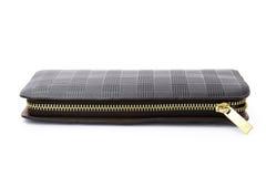 Μαύρο πορτοφόλι δέρματος με το φερμουάρ στοκ εικόνα