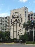 Μαύρο πορτρέτο Guevara Che στην οικοδόμηση της τέχνης της Κούβας Στοκ Εικόνες