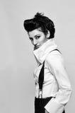 μαύρο πρότυπο λευκό μόδας Στοκ φωτογραφία με δικαίωμα ελεύθερης χρήσης