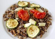 Μαύρο ρύζι με τα κολοκύθια, τις ντομάτες και την πάπρικα Στοκ φωτογραφίες με δικαίωμα ελεύθερης χρήσης