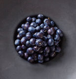 Μαύρο σύνολο κύπελλων του βακκινίου, άνωθεν Στοκ Φωτογραφίες