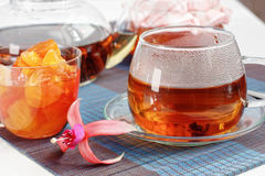 μαύρο τσάι μαρμελάδας μήλω&n Στοκ Εικόνες