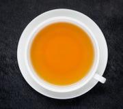 Μαύρο τσάι στο φλυτζάνι Στοκ Εικόνες