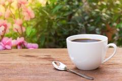 Μαύρο φρέσκο πρωί καφέ και φύσης Στοκ Εικόνες