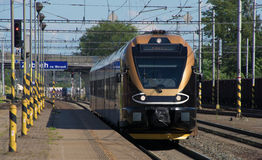 Μαύρο χρυσό τραίνο στο NA Morave Zabreh σταθμών Στοκ εικόνες με δικαίωμα ελεύθερης χρήσης