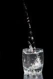 μαύρο ύδωρ glas ανασκόπησης στοκ φωτογραφία με δικαίωμα ελεύθερης χρήσης