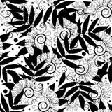 μαύρο floral άνευ ραφής λευκό πρ& Συρμένο χέρι φυλλώδες διάνυσμα Στοκ Εικόνες
