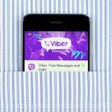Μαύρο iPhone 6 που επιδεικνύει την εφαρμογή Viber Στοκ εικόνες με δικαίωμα ελεύθερης χρήσης