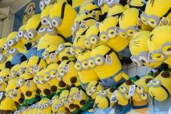 Μαλακά παιχνίδια βελούδου Minions Στοκ εικόνα με δικαίωμα ελεύθερης χρήσης