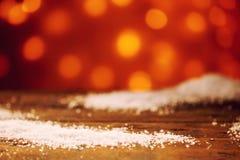 Μαλακά snowflakes στην ξύλινη επιφάνεια Στοκ Φωτογραφία