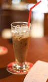 Μαλακή εστίαση σε ένα ποτήρι του καφέ στο ύφος του Βιετνάμ Στοκ εικόνα με δικαίωμα ελεύθερης χρήσης