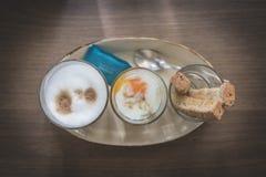 μαλακός-βρασμένοι αυγό & καφές Στοκ εικόνα με δικαίωμα ελεύθερης χρήσης