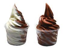 Μαλακός εξυπηρετήστε το παγωτό σε ένα φλυτζάνι στοκ φωτογραφία με δικαίωμα ελεύθερης χρήσης