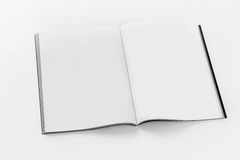 Μαλακό ανοιγμένο κάλυψη πρότυπο φυλλάδιων στοκ εικόνα με δικαίωμα ελεύθερης χρήσης