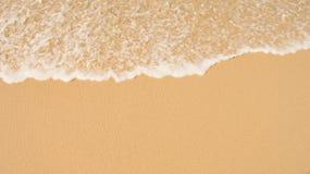 Μαλακό κύμα του μπλε ωκεανού στην αμμώδη παραλία Υπόβαθρο Στοκ φωτογραφίες με δικαίωμα ελεύθερης χρήσης
