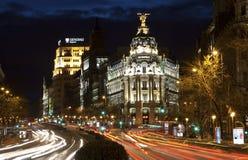 Μαδρίτη - κοιτάξτε από Plaza de Cibeles στο σούρουπο στην οδό του Cale de Alcala Στοκ φωτογραφία με δικαίωμα ελεύθερης χρήσης