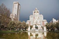 Μαδρίτη - μνημείο Θερβάντες από Plaza Espana Στοκ Εικόνα