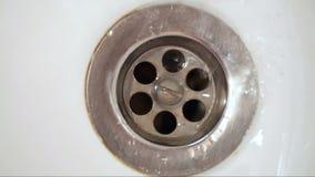 Μείωση νερού από τη βρύση απόθεμα βίντεο