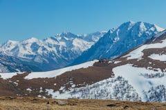 μεγάλα βουνά βουνών τοπίων Καυκάσια κορυφογραμμή βουνών με τα καλύμματα χιονιού, Arkhyz, Ρωσία Στοκ Φωτογραφία