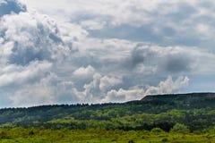 Μεγάλα ισχυρά σύννεφα καταιγίδας θύελλας στοκ εικόνα